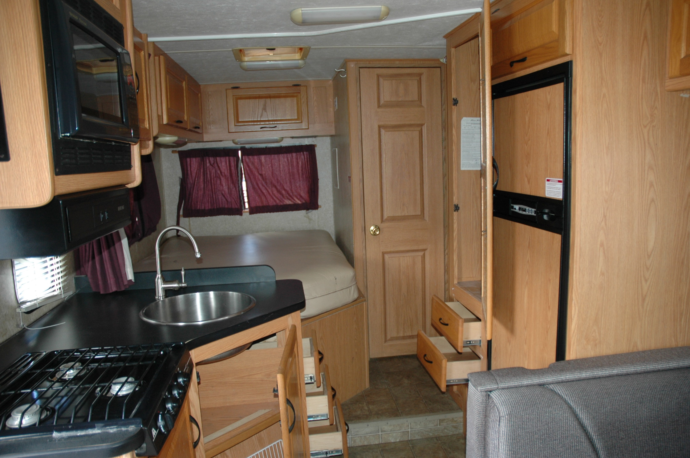 SOLD!!!! 2008 Four Winds Majestic M-23A
